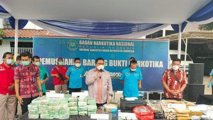 BNN Bongkar Peredaran 15 Kilogram Ganja dan Ratusan Butir Ekstasi di Kampung Ambon