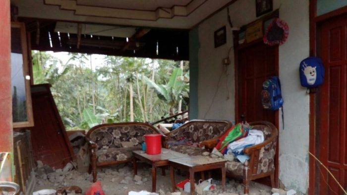 Breaking News: Gempa Goyang Banjarnegara, Ratusan Bangunan Dilaporkan Rusak