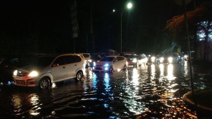 Jelang Tahun Baru 2019, Alam Sutera Tergenang Setelah Diguyur Hujan Deras