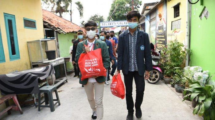 Gerakan Berbagi Warga dan BEM Nusantara Salurkan Bantuan untuk Warga Tanjung Priok