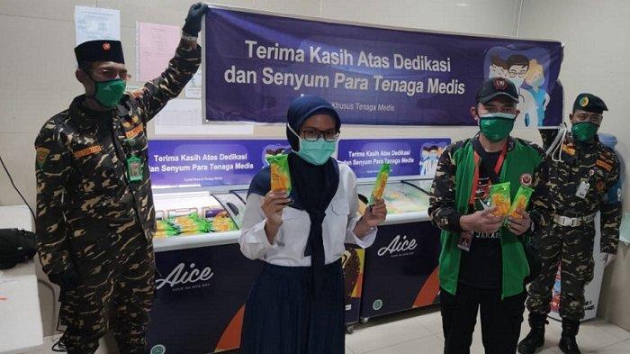 Gandeng GP Ansor, Tak Hanya APD, Aice Group juga Donasi Es Krim untuk Tenaga Medis Covid-19