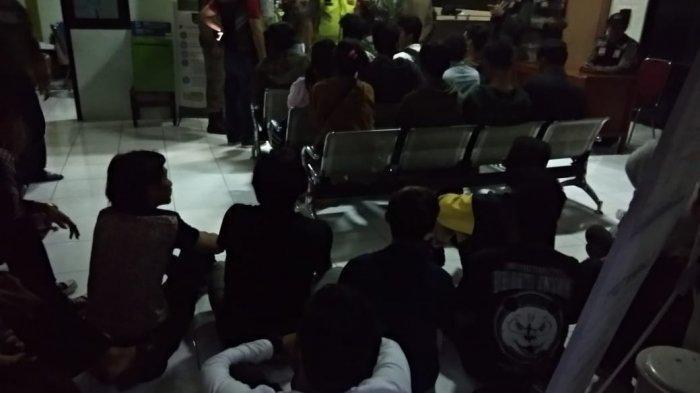 Pesta Muda-mudi di Sebuah Vila di Puncak Digerebek, Ditemukan Paket Sabu dan Tembakau Gorilla