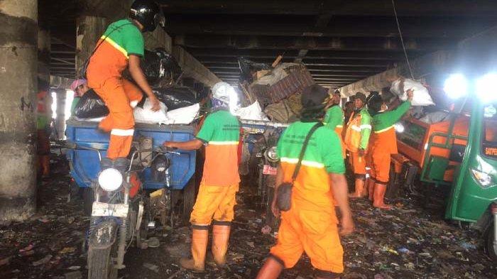 Kadis LH DKI Minta Pengelola Ikut Pikirkan Sampah di Kolong Tol Ir Wiyoto Wiyono