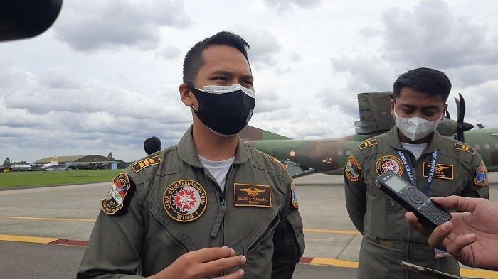 Kapten Penerbang CN 295Gilang Pranajaya setelah pencarian pesawat Sriwijaya Air yang jatuh Minggu (10/1/2021). Menurut dia, pesawat CN 295 harus per putar di atas perairan Kepulauan Seribu 10-15 kali untuk mencari pesawat Sriwijaya Air SJ-182 yang jatuh, Sabtu (9/1/2021).