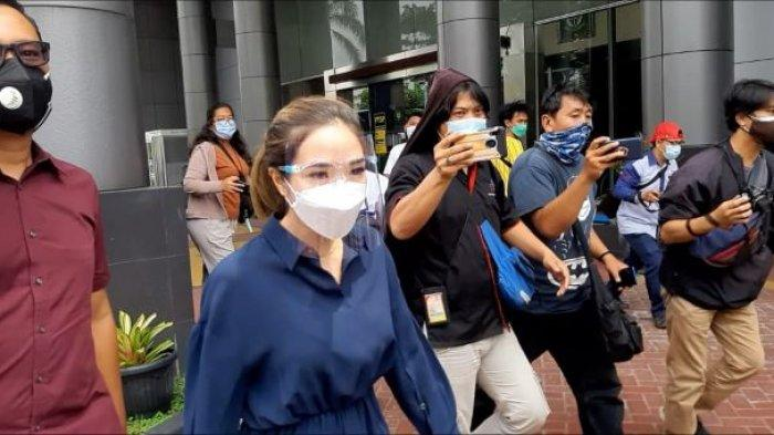 Gisella Anastasia memenuhi panggilan jaksa penuntut umum Kejaksaan Negeri Jakarta Selatan, Kamis (4/3/2021).