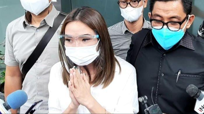 Gisella Anastasia memberikan keterangan lanjutan di Polda Metro Jaya, Semanggi, Jakarta Selatan, Rabu (23/12/2020), terkait kasus penyebaran video syur.