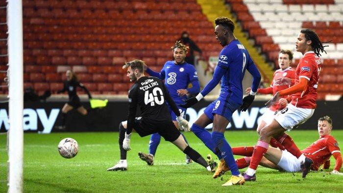 Gol Kontroversial Tammy Abraham Bawa Chelsea ke Perempatfinal Piala FA, Barnsely vs Chelsea 0-1