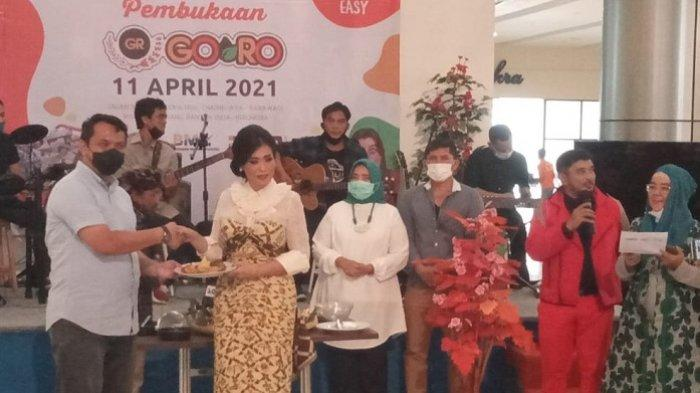 PT Adhi Persada Properti menggelar soft launching Goro Super Grosir milik PT Berkarya Makmur Sejahtera di Icon Walk Mall, Jalan Merdeka No 1 Cimone, Tangerang, Minggu (11/4/2021).