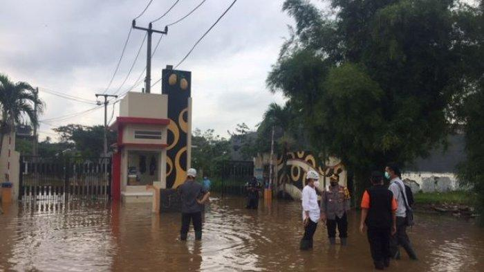 Perumahan Grand Mekarsari Kabupaten Bogor Terendam Banjir, Sebagian Warga Pilih Bertahan di Rumah