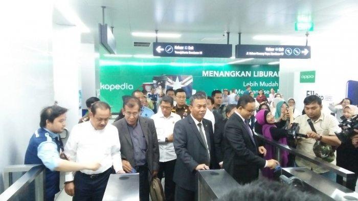 Usai Paripurna Gubernur Anies dan Pimpinan DPRD DKI Naik MRT, Kartu Tiket Pras Sempat Bermasalah