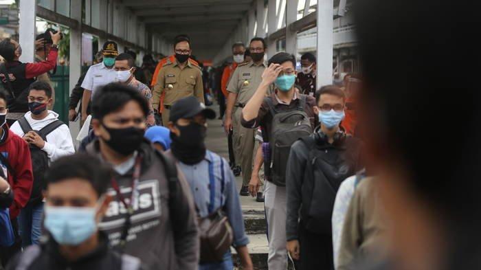 Penumpang KRL Comuterline Mengular di Stasiun Bogor, Berikut Ini Dugaan Penyebab dan Solusinya