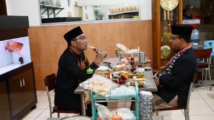 Gubernur DKI Jakarta Anies Baswedan dengan Gubernur Jawa Barat Ridwan Kamilm makan bersama