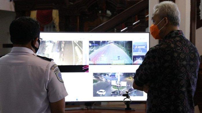 Gubernur Ganjar Pranowo Pantau Langsung Arus Mudik Long Weekend di Wilayah Jawa Tengah