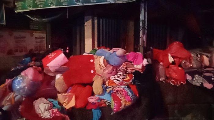 Gedung Penyimpanan Barang Bekas di Jalan Cikini Terbakar, Gulkarmat Jakpus Kerahkan 11 Mobil Damkar