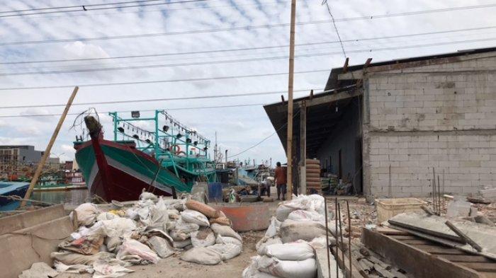 Penghasilan Nelayan Anjlok Akibat Pelabuhan Perikanan Muara Angke Terhalang Proyek Pembangunan