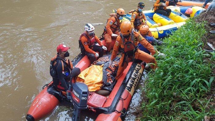 Korban Tenggelam di Kali Pesanggrahan Ditemukan di Dasar Sungai Sejauh 800 Meter dari Lokasi Hilang