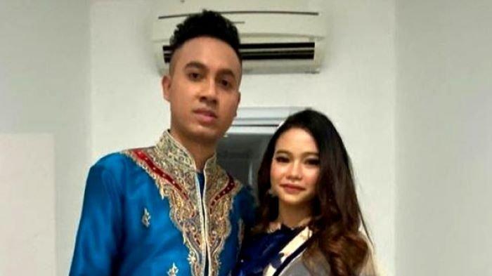 Gunawan LIDA dan Rara LIDA memamerkan kemesraan mereka di media sosial. Ajang pencarian bakat Liga Dangdut Indonesia (LIDA) mendekatkan Rara LIDA dan Gunawan LIDA. Benarkah mereka pacaran?