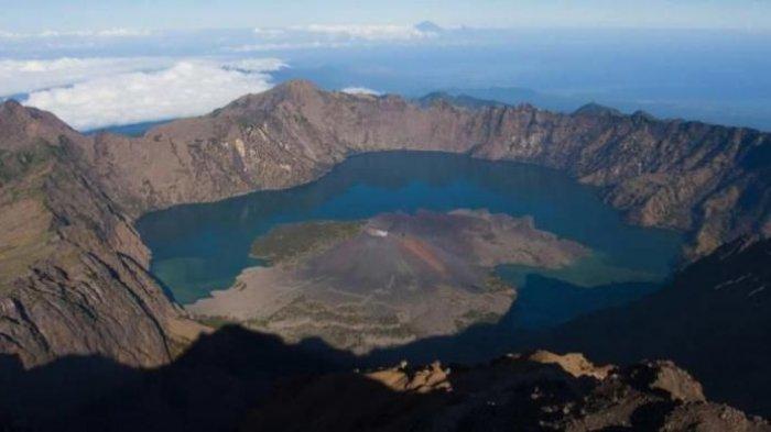 Pendaki Gunung Rinjani Tewas Tergelincir ke Jurang di Jalur Senaru, Tepat pada Hari Ulang Tahunnya