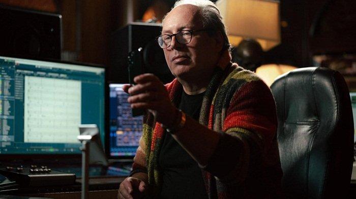Hans Zimmer, komposer dunia penerima Grammy dan Academy Award, menciptakan komposisikan nada dering eksklusif untuk Oppo Find X3 Pro 5G.