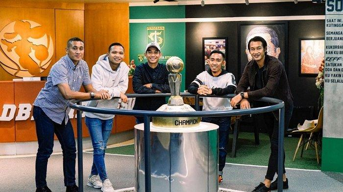Usai Mengantongi Lisensi Kepelatihan AFC C, Empat Pemain Persebaya Melatih di Persebaya Junior Camp