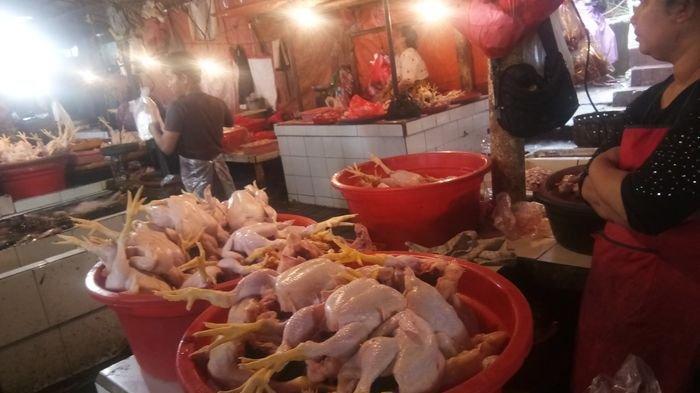 Harga Ayam Potong di Pasar Tradisional Masih Tinggi, Tembus Rp 40.000 Per Kilogram
