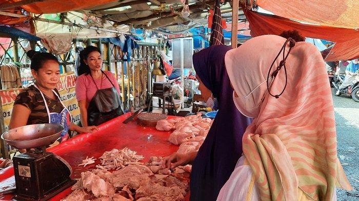 Daging Sapi Mahal, Warga Terpaksa Makan Ketupat Lebaran dengan Daging Ayam