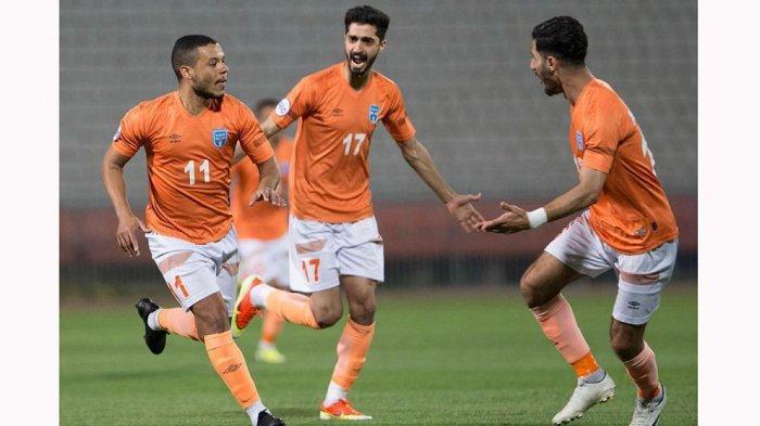 Harrison Cardoso (Kiri) pemain baru Persita Tangerang, saat masih bermain di klub Kazma SC di Liga Kuwait