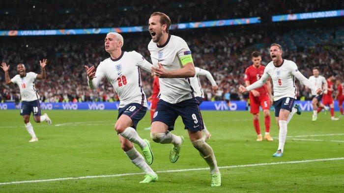 Kapten timnas Inggris Harry Kane rayakan gol ke gawang Denmark pada babak perpanjangan waktu. Inggris vs Denmark harus melalui babak perpanjangan waktu setelah hasil imbang 1-1 pada waktu 2 kali 45 menit.