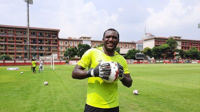 Herman Dzumafo Dilepas Bhayangkara Solo FC, Dilema Dengan Pilihan Masa Depannya