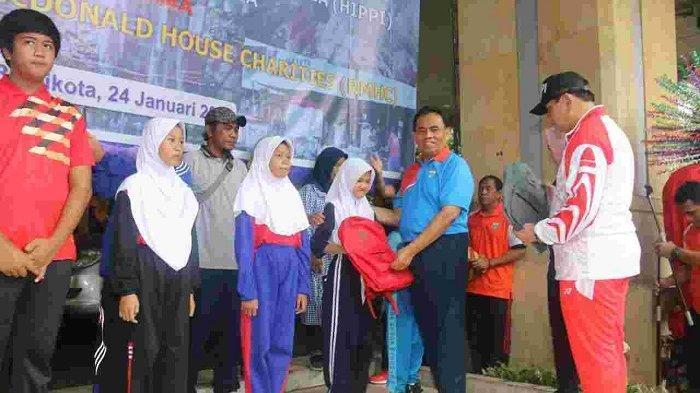 HIPPI Salurkan Ribuan Paket Peralatan Sekolah bagi Korban Banjir Jakarta
