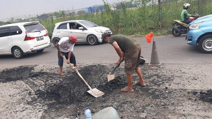 Dinas PU Kota Tangsel Merespons Keluhan Warga Pondok Cabe Soal Gundukan Aspal Hotmix