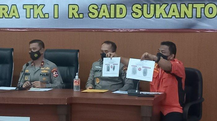 Tim DVI kembali mengidentifikasi dua jenazah korban kecelakaan pesawat Sriwijaya Air SJ182, Rabu (13/1/2021), yakni atas nama Indah Halimah Putri dan Agus Minarni.