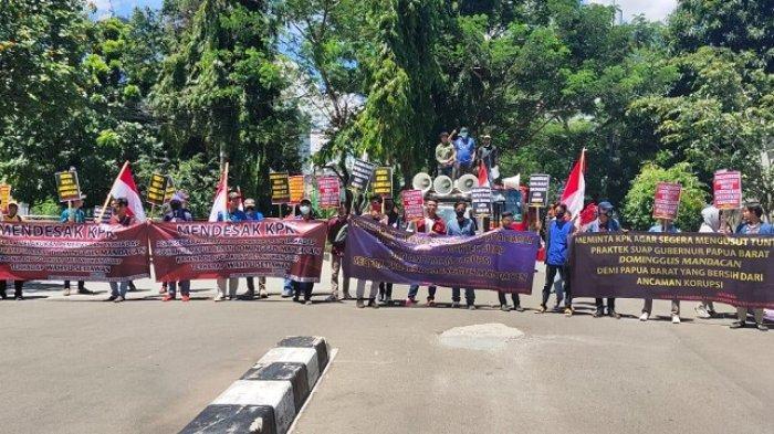 Pengacara Wahyu Setiawan Seret Nama Gubernur Papua Barat, KPK Didesak Usut Tuntas