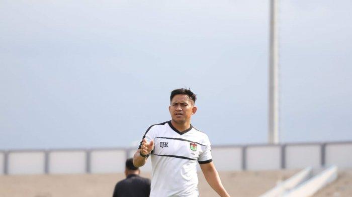 Legenda Persita Tangerang Sebut Wajar Pelatih Sepak Bola Digaji Tinggi