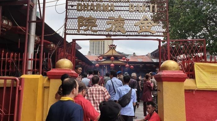 Vihara Dharma Bakti Ramai Wisatawan, Anies Lihat Potensi Wisata Religi