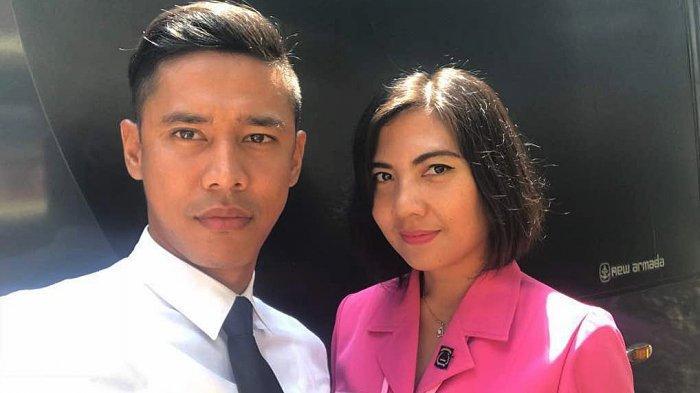 Indra Kahfi dan Istrinya yang mengelola Kafe Musim Kopi 27 di Jagakarsa