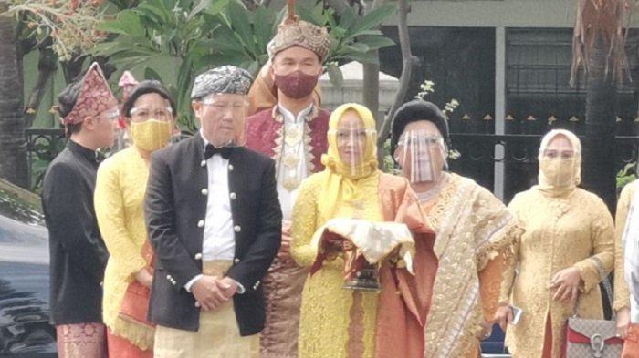 Kehadiran Indra Priawan di Rumah Nikita Willy Disambut Alunan Suling, Talempong, dan Serunai