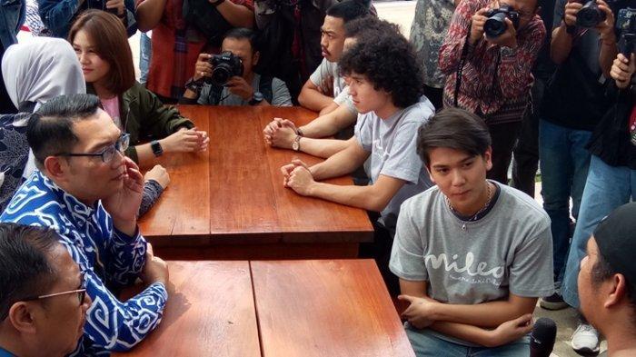 Bertemu Gubernur Ridwan Kamil di Gedung Pakuan, Apa yang Dibicarakan Iqbaal Ramadhan?