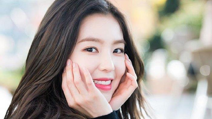 Penggemar Masih Khawatir Kondisi Irene Red Velvet Setelah Terbentur Kaca Spion