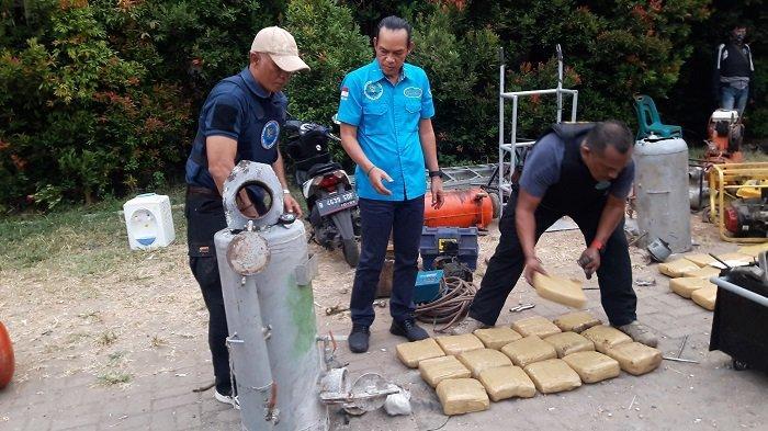 200 Kilogram Ganja dari Aceh Diseludupkan Bersama Jengkol, Diturunkan di Halaman Gedung SD di Jaktim