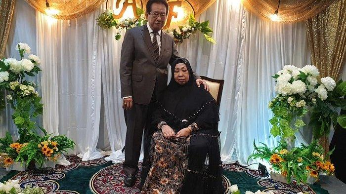 Aktor Anwar Fuady dan almarhumah Farida Fuady, istrinya. Istri Anwar Fuady meninggal dunia di RS Ciputra, Minggu (18/7/2021).