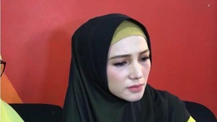 Istri Muda Limbad Minta Cerai karena Kerap Diteror Istri Pertama, Menyesal Menikah dengan Limbad