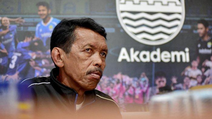 Iwan Bastian berharap Aini dan 4 rekan lainnya bisa tembus seleksi timnas putri sepak bola Indonesia