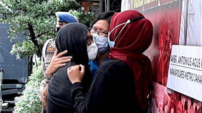 Iyut Bing Slamet dihadirkan di Polres Metro Jakarta Selatan, Sabtu (5/12/2020) siang.