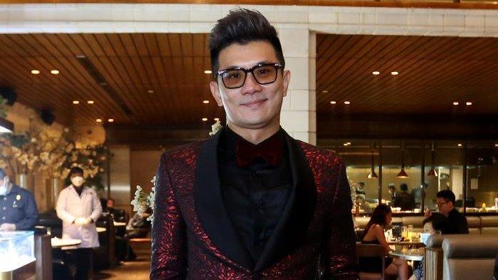 Pengusaha Jackson Tsai atau Koko Jackson merayakan meriah ulang-tahunnya ke-41 berkolaborasi dengan Passion Jewelry di J Sparrow Bar and Grill, Kuningan, Jakarta Selatan, Jumat (18/6/2021) malam.