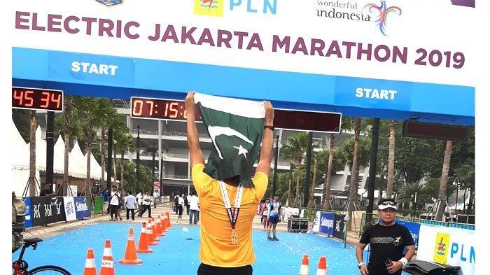 VIDEO: Electric Jakarta Marathon 2019 Diramaikan Pelari Dengan Kostum Unik