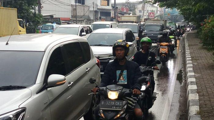 VIDEO Info Lalin Tangerang: Jalan Daan Mogot Km 19 Batuceper Padat Merayap Jumat 5 Juni 2020