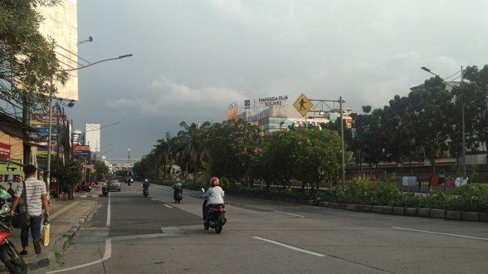 TRAFFIC UPDATE: Jalan Gunung Sahari Raya Terpantau Lancar Cenderung Sepi Jelang Buka Puasa