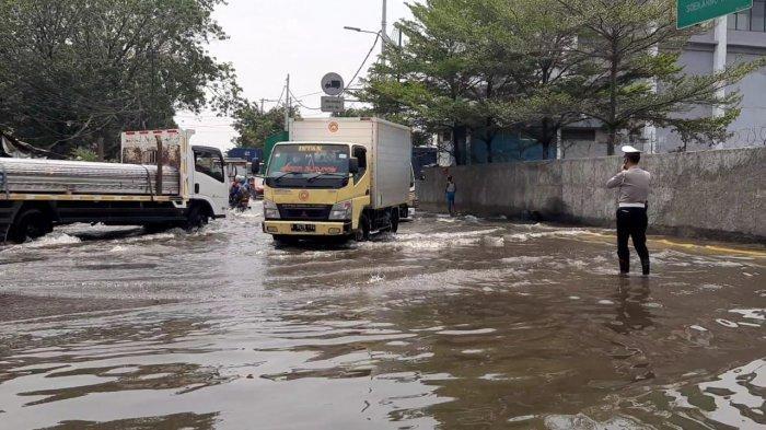 VIDEO Banjir Rob di Pelabuhan Sunda Kelapa, Jalan Krapu Terendam