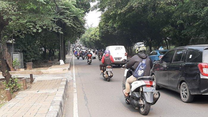 Pukul 16.45, Arus Lalulintas Jalan TB Simatupang Jakarta Selatan Ramai Lancar